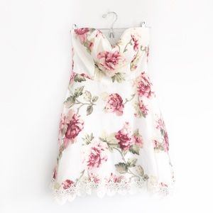 White Floral Rose Print Sweetheart Strapless Dress